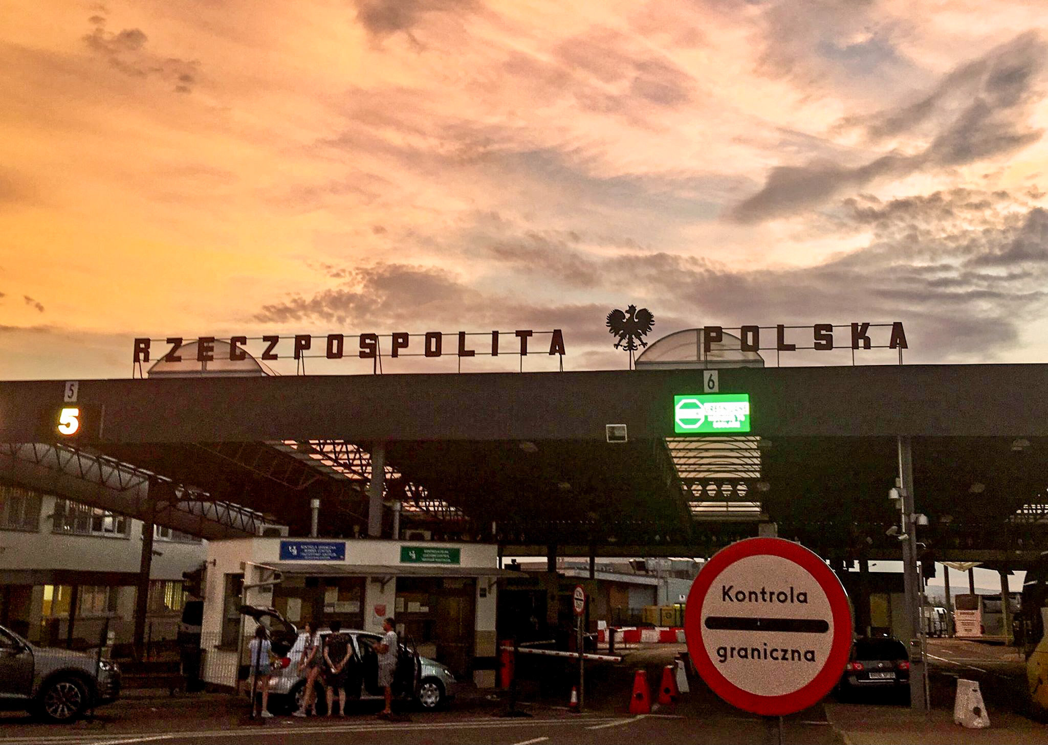 Aktualne zasady wjazdu cudzoziemców do Polski!